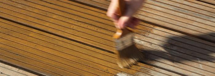 Holzterrasse pflegen